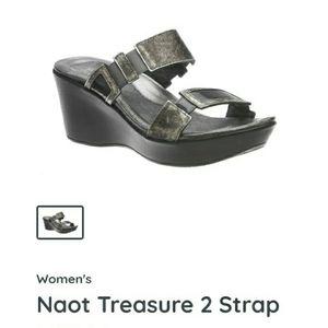 "NWOT Naot ""Treasure"" sandals size 40"